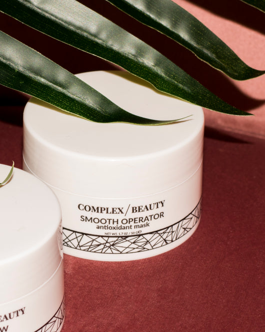 A creamy antioxidant mask featuring almost 40 antioxidant rich ingredients like CoQ10, squalane, green tea, cranberry, vitamin c, peptides, aloe, and more.