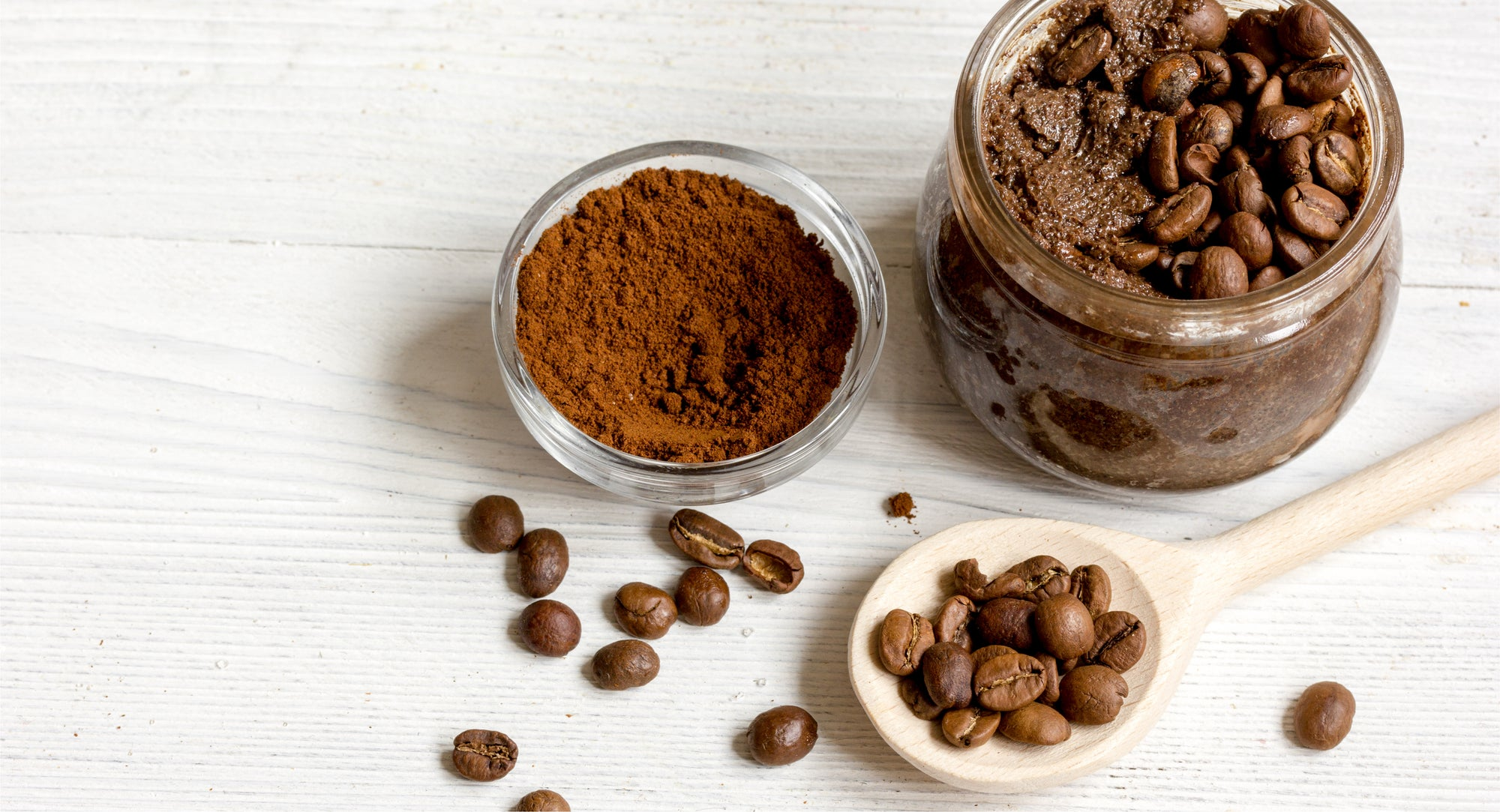 Caffeine is rich in antioxidants which can reduce the sign of aging when used in skincare products.