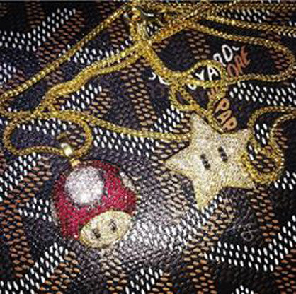 Super mario mushroom star necklace goyard
