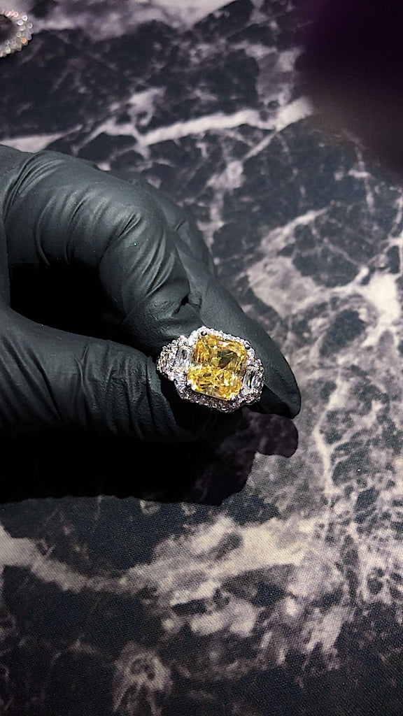 travis scott cactus jack ring free shipping worldwide diamond canary vvs win