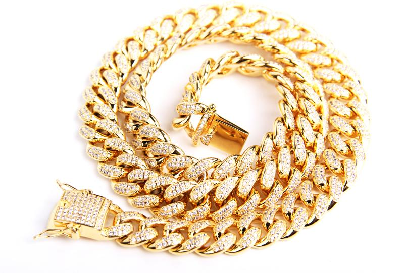 Fully iced cuban link chain 10mm