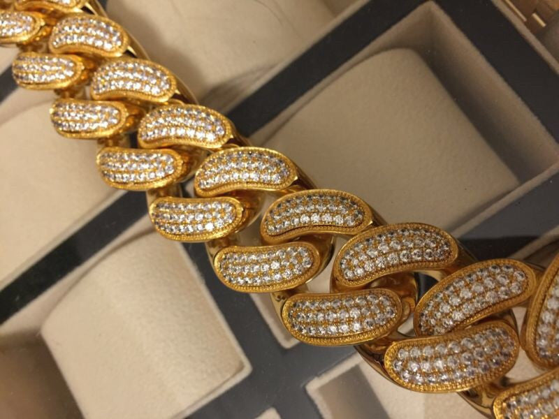 Iced out cuban link chain miami jumbo 30mm