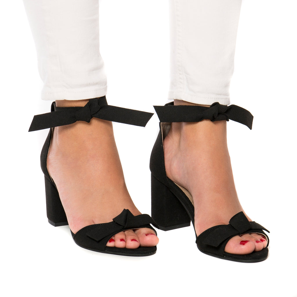 NAE Estela Block Heel Sandal in Black