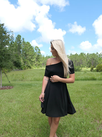 Charming Off Shoulder-Dress