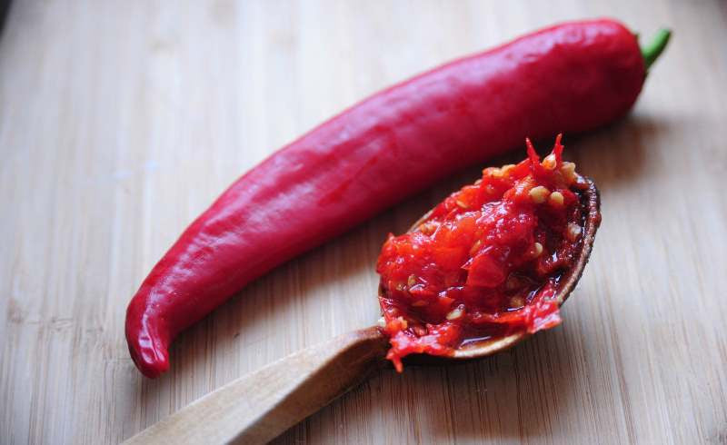 How to introduce someone to spicy foods?