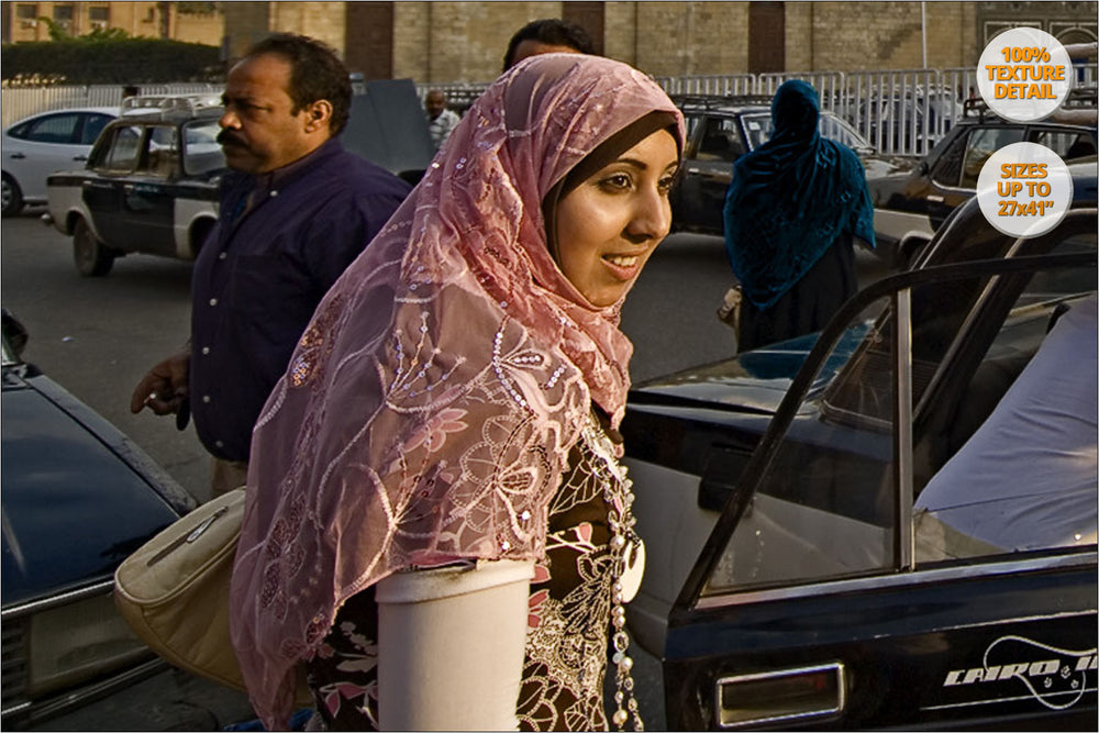 Arab Woman in Al Azhar, El Cairo, Egypt. | 100% Detail.