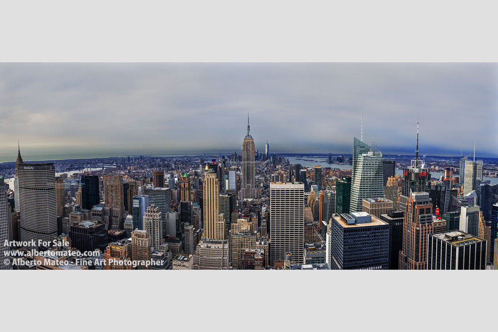 Giant print of midtown Manhattan with the Empire State, New York.