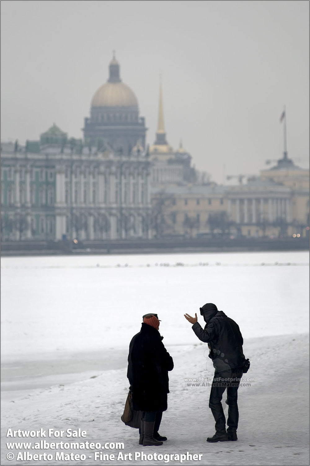 Pedestrians chatting over Frozen Neva River, St. Petersbourg, Russia.