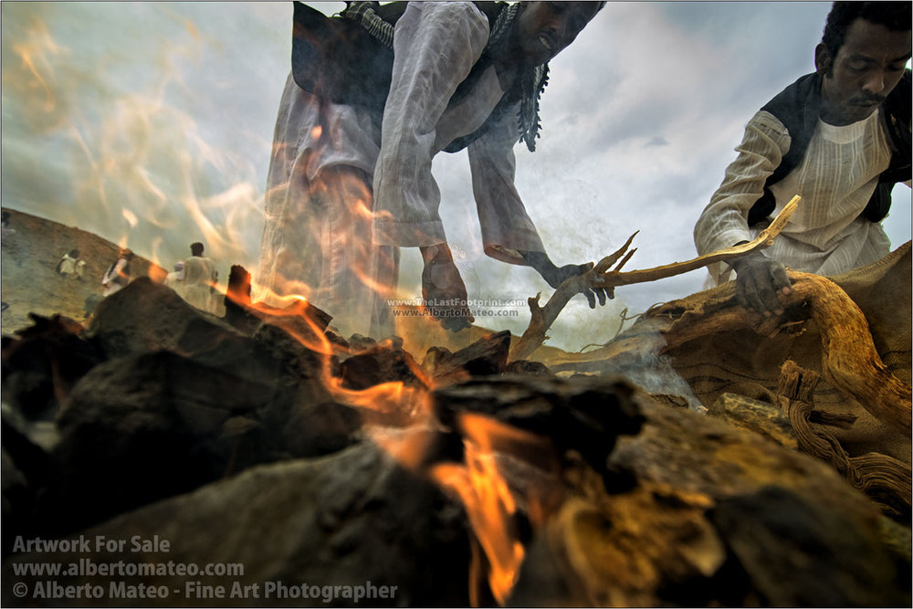 Al-Al-Bashareya Tribe members making a bonfire, Marsa Alam, Egypt.