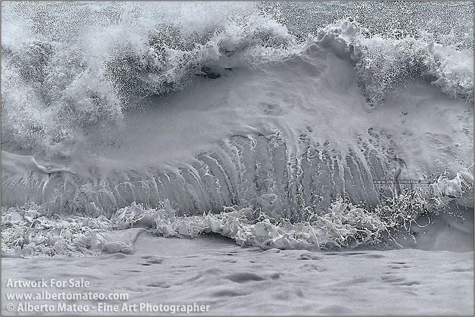 Breaking wave detail, Reynisfjara, Vik, Iceland.