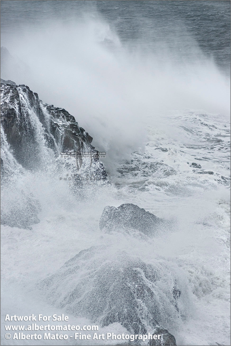 Sea Gale, Breaking Waves, Dyorhaley, Iceland. 5/5