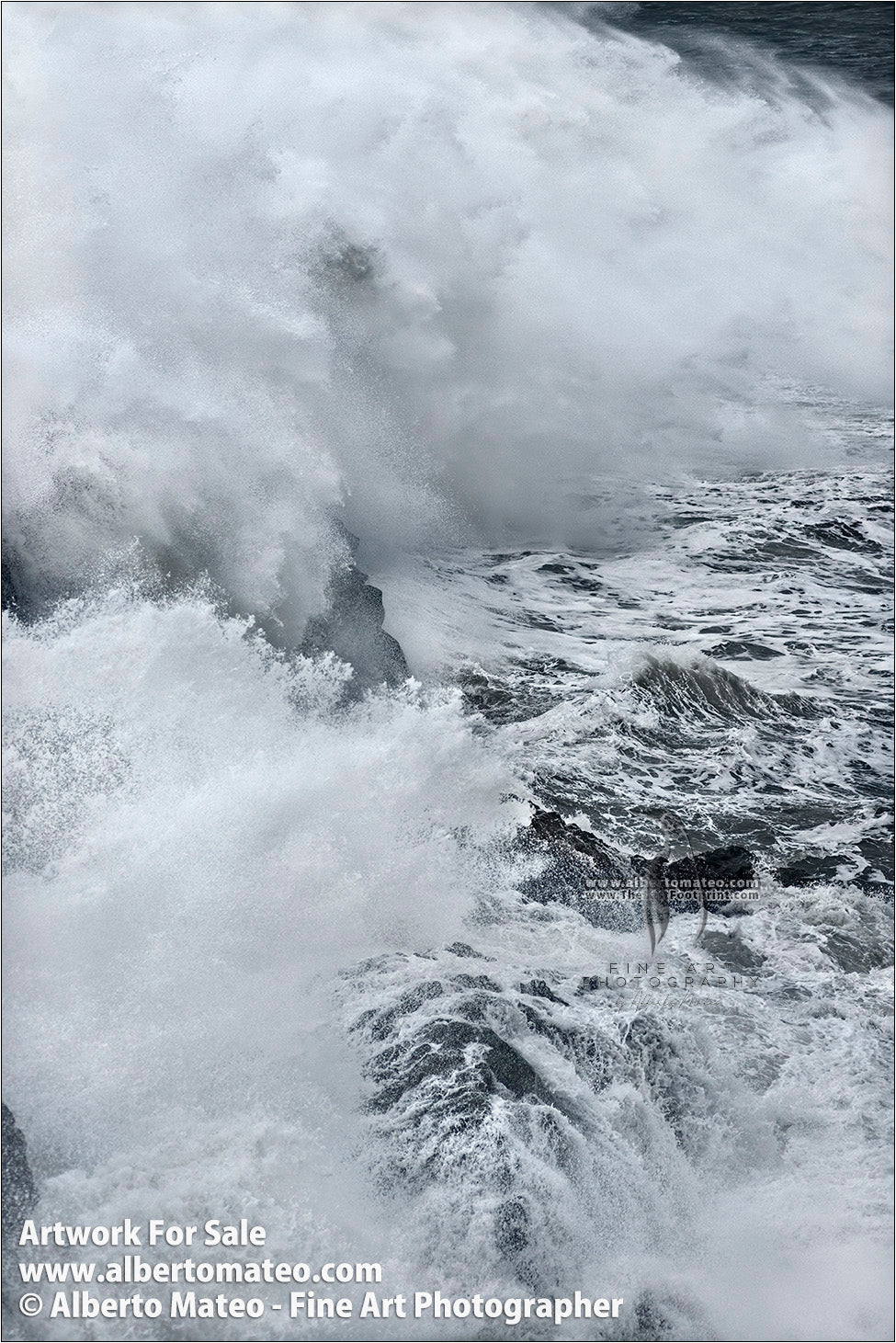 Sea Gale, Breaking Waves, Dyorhaley, Iceland. 4/5