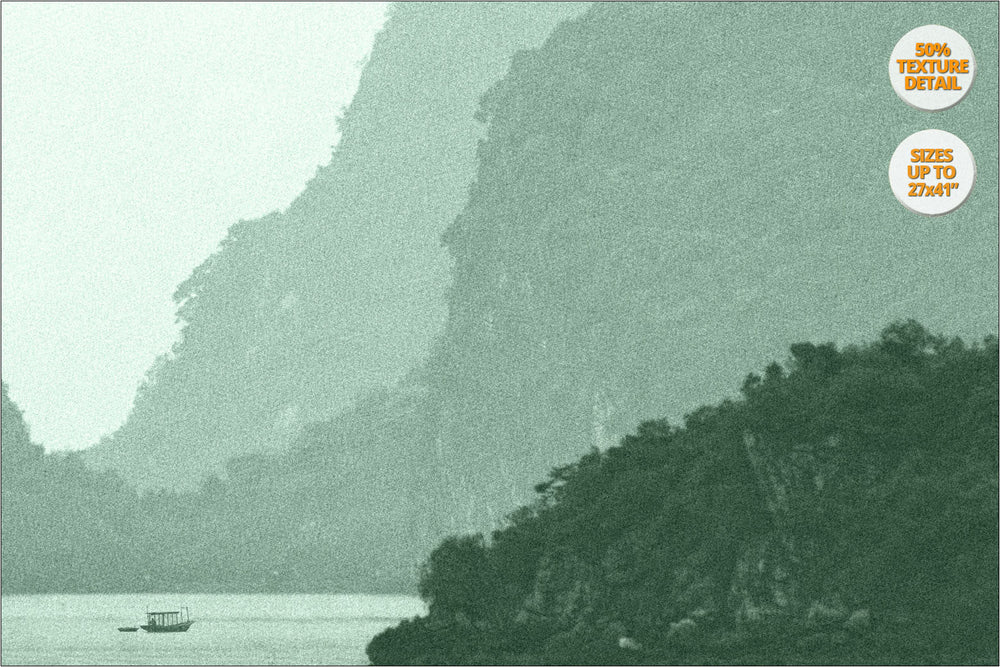Karstic pinnacles in Ha Long Bay. | 50% Detail View.