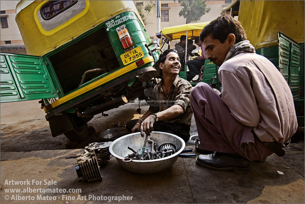 Mechanics in Punknian Road, New Delhi, India. | Original Fine Art Print.