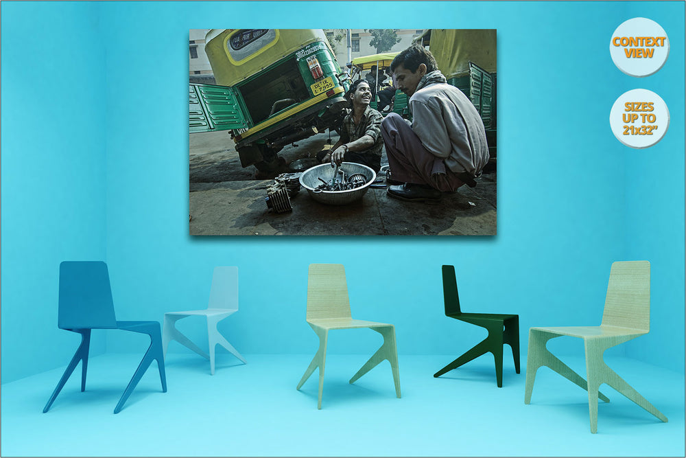Mechanics in Punknian Road, New Delhi, India. | Print hanged in meeting room.