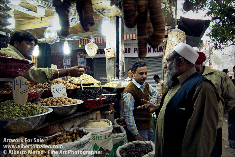 Spice Bazaar near Chandni Chowk, Old Delhi. | Open Edition Print.