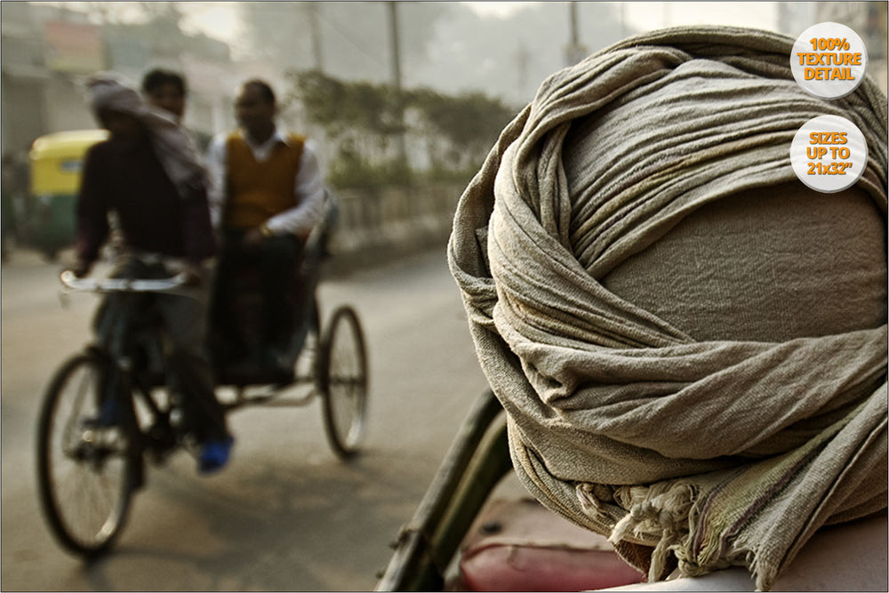 Rickshaw drivers, Qutab Road, Delhi. | Print at 100% magnification detail.