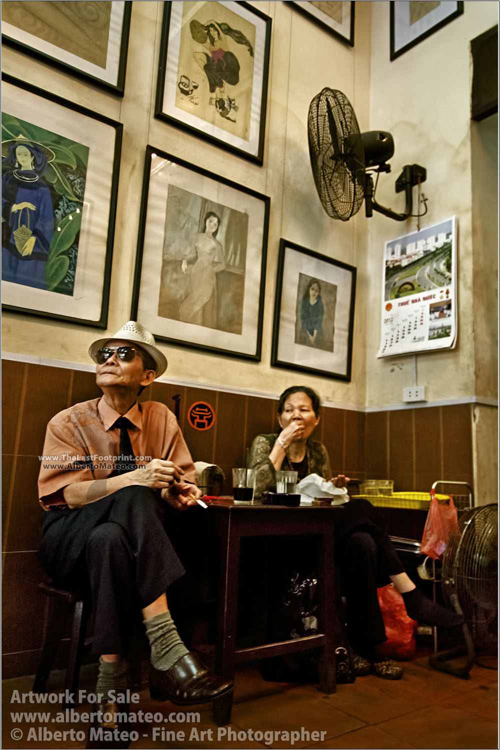 Elderly couple, Cafe Lam, Hanoi. | Full view.