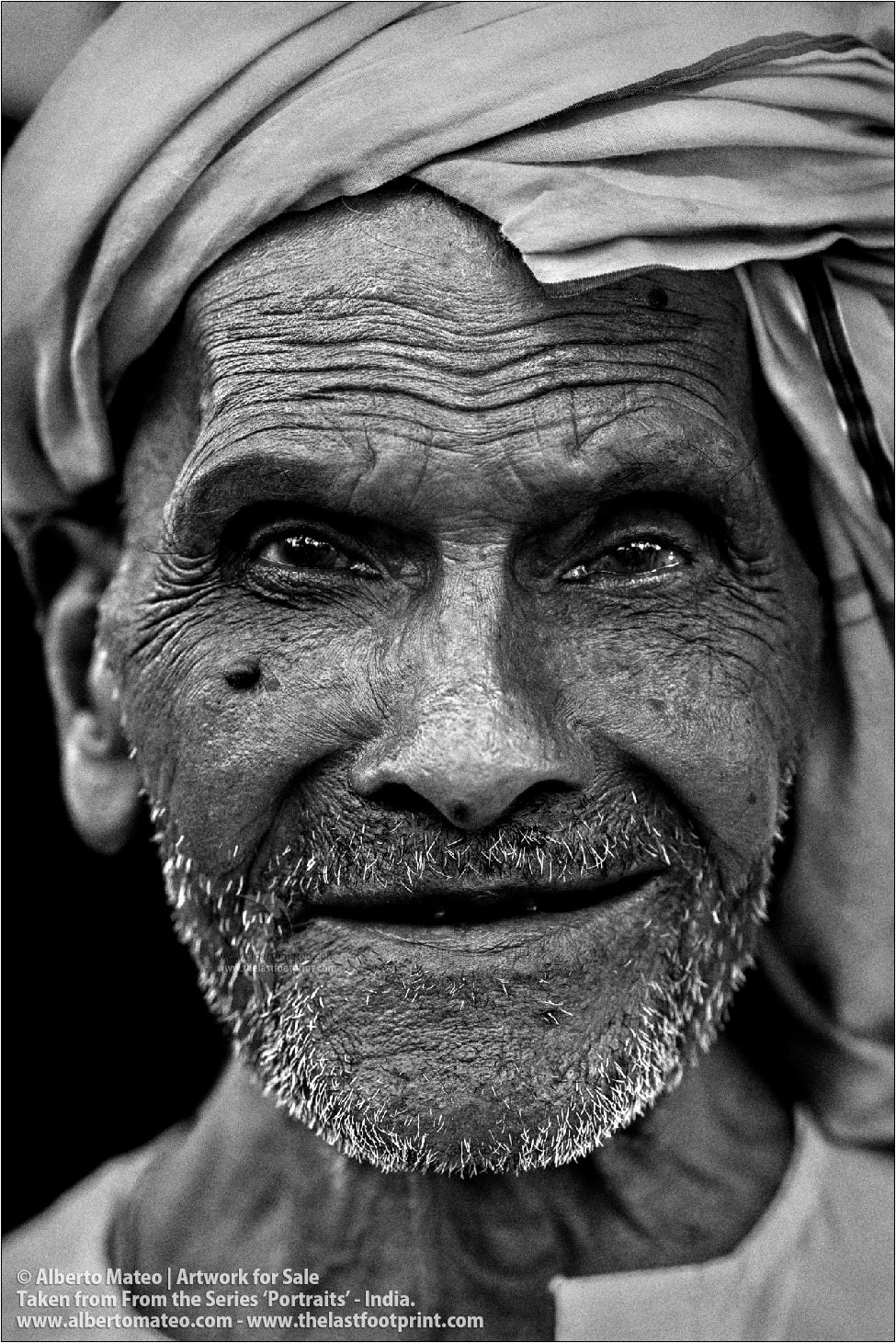 Portrait of Elderly Muslim Man, Ballia, Uttar Pradesh, India.