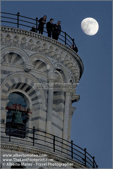 Full Moon rising behind Pisa Tower, Tuscany. | Full size view.