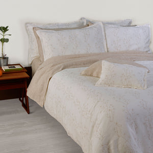 Flor do Monte Duvet Cover