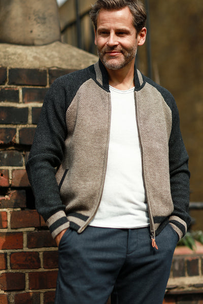 Men´s Cashmere Bomber Jacket in Honey comb stitch Toharu Camel Charcoal - Hommard