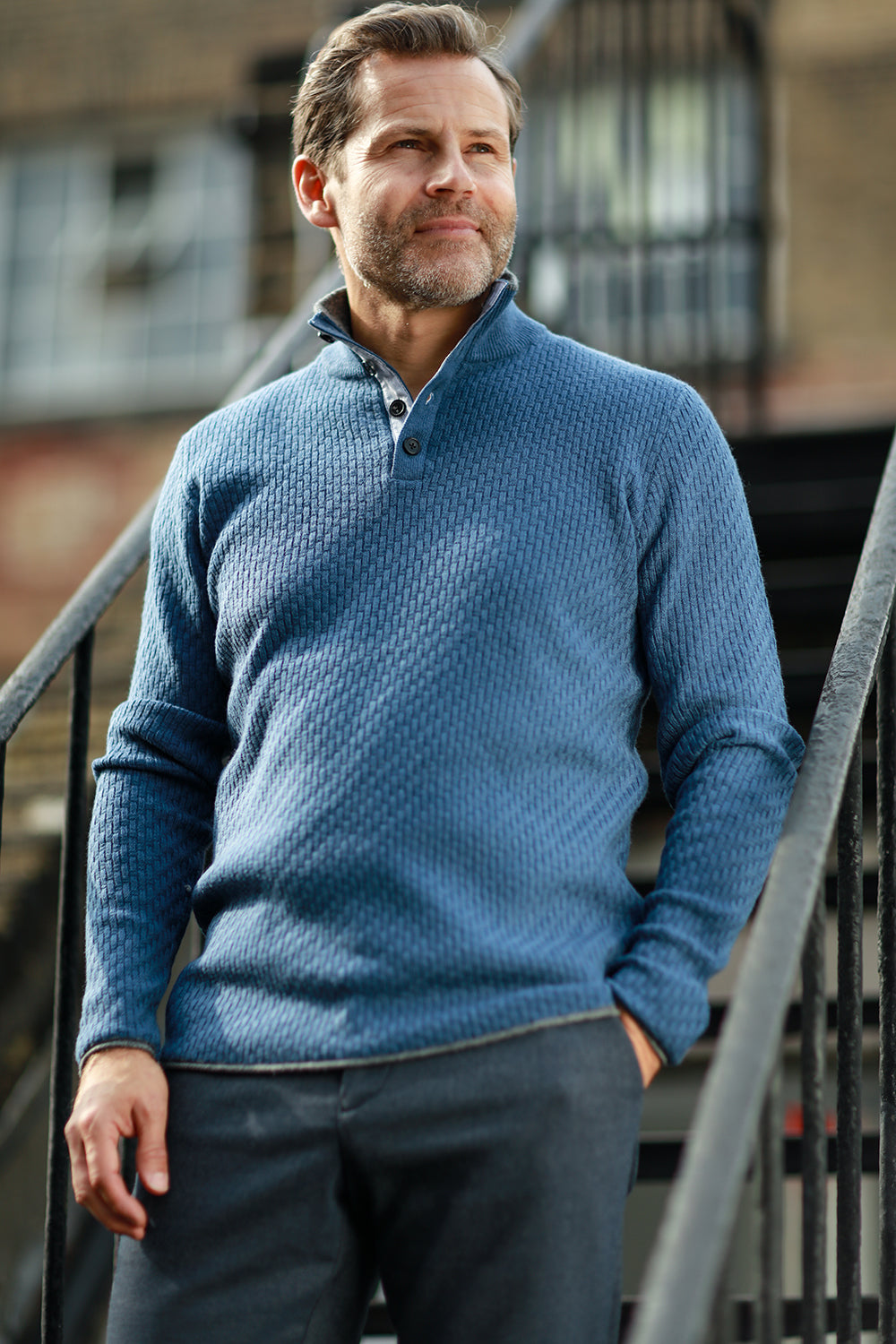 Men´s Cashmere Sweater Button neck Andromeda in Carbon Stitch Blue on model