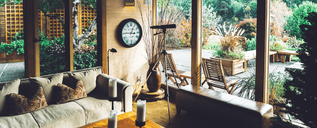 Interior decorating tips for aging eyes - choosing paint and blinds ...