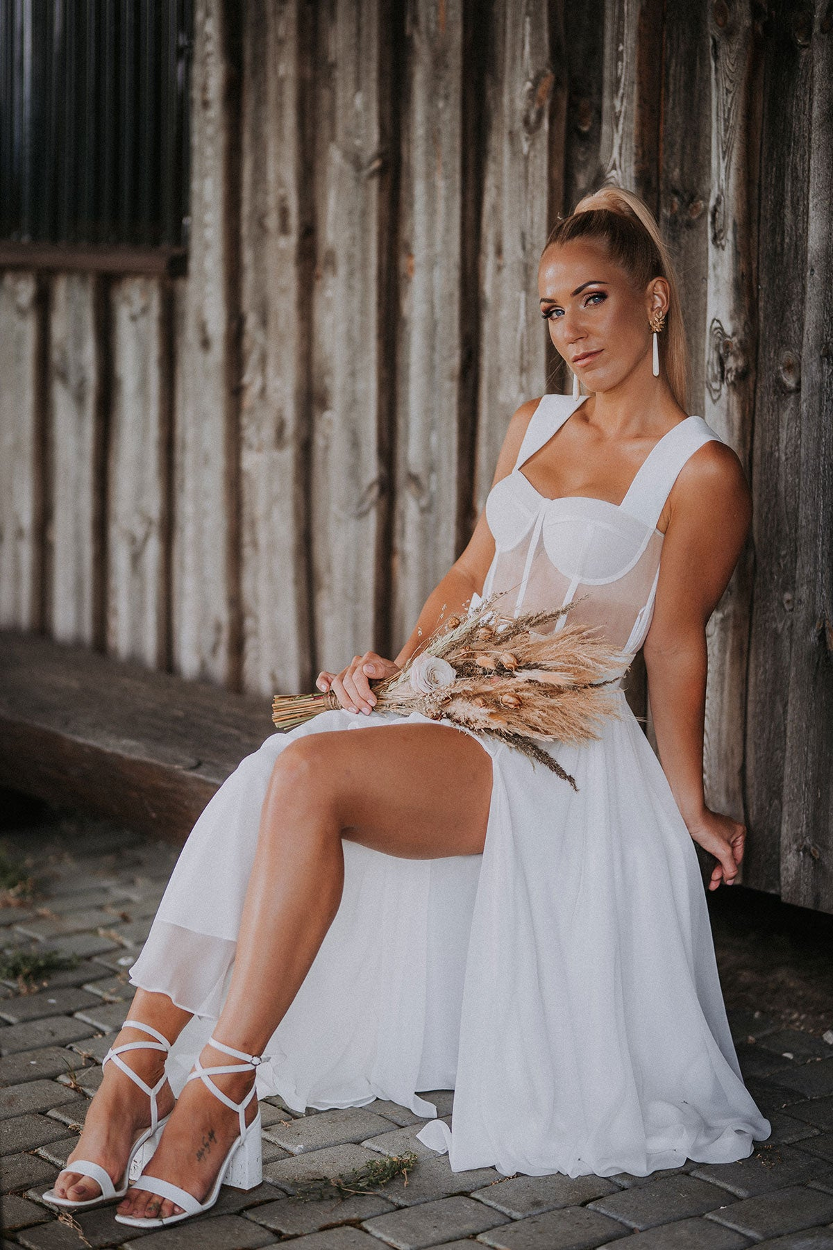 wedding-gown-98549857