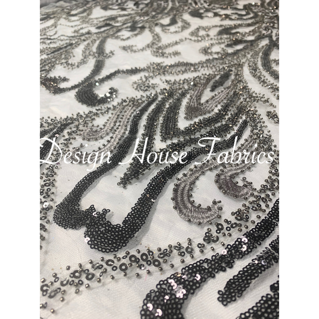 9. Beaded lace 1 - Grey/Silver on Silver