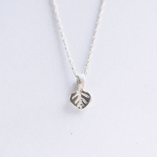 Bristol and Cole X-Small Aspen Leaf Silver Necklace