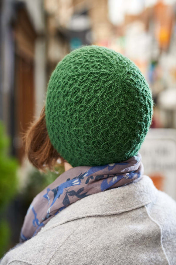 Moss green travelling stitch Sumburgh hat