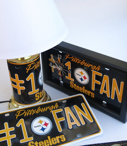 Pittsburgh Steelers Gift Set - Clock, Lamp, Team fan wall plaque.