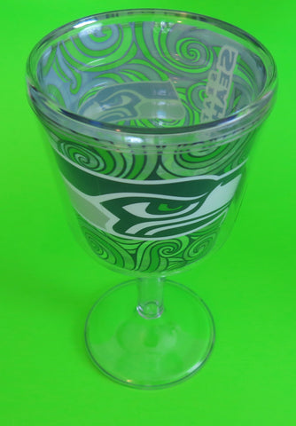 Seattle Seahawks wine goblet set of two, A great Mother's Day gift
