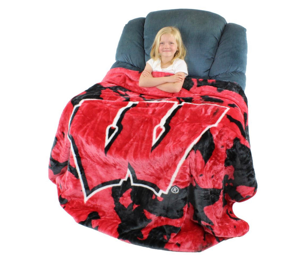 NCAA Wisconsin Badgers Huge Raschel Throw Blanket