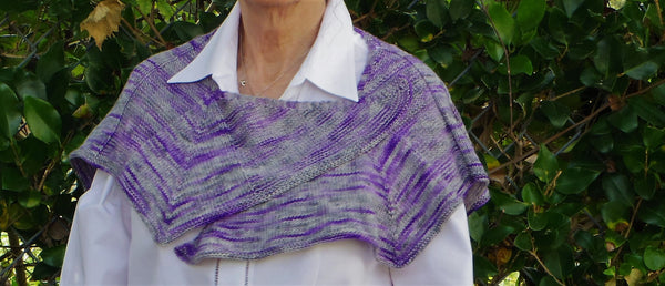 Lavender wrap/shawlette, hand knit, diamond pattern