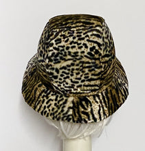 Load image into Gallery viewer, Leopard Cloche Hat