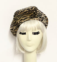 Load image into Gallery viewer, Leopard Faux Fur Beret Hat