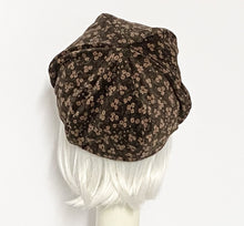 Load image into Gallery viewer, Brown Velveteen Floral Beret