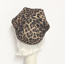 Load image into Gallery viewer, Leopard Beret Hat