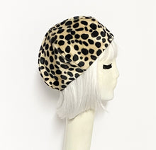 Load image into Gallery viewer, Faux Fur Beret Hat