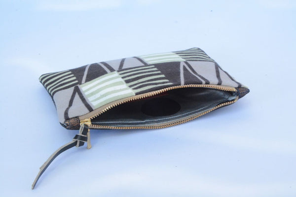 Graphic Print and black Leather Purse