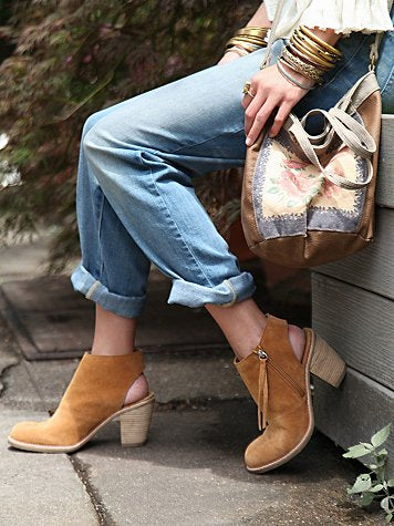 hartley ankle boot by dolce vita