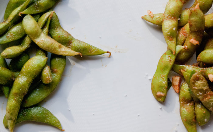 edamame, ground ginger, soy sauce, sesame, edamame snack, vegetarian snacks, flavored edamame, healthy, back to school snacks, edamame recipes