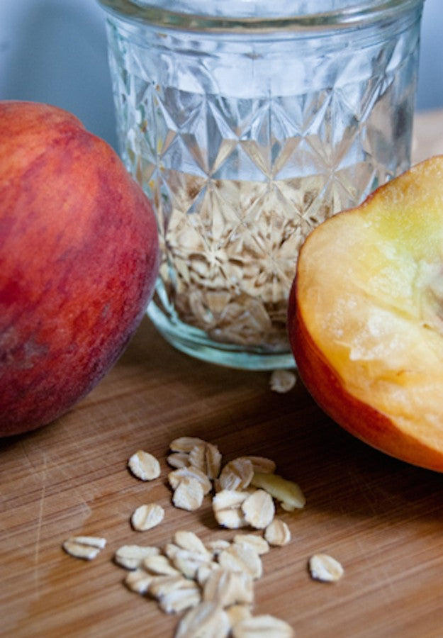 peaches, summer breakfast, cold oats, overnight oats, chia seeds, clean eating