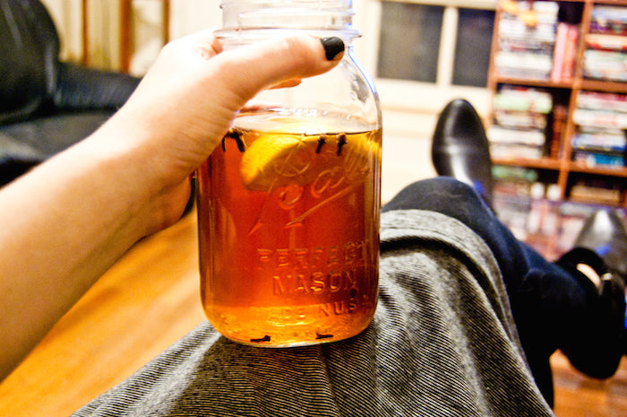 brown sugar, brown sugar simple syrup, cinnamon, honey, hot toddies, hot toddy, thanksgiving, thanksgiving cocktails, whiskey, winter cocktails