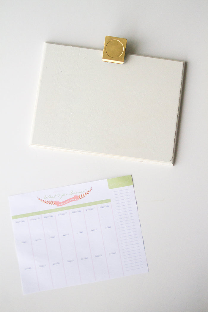 Free Printable Meal Planner by hello Luvvy 5