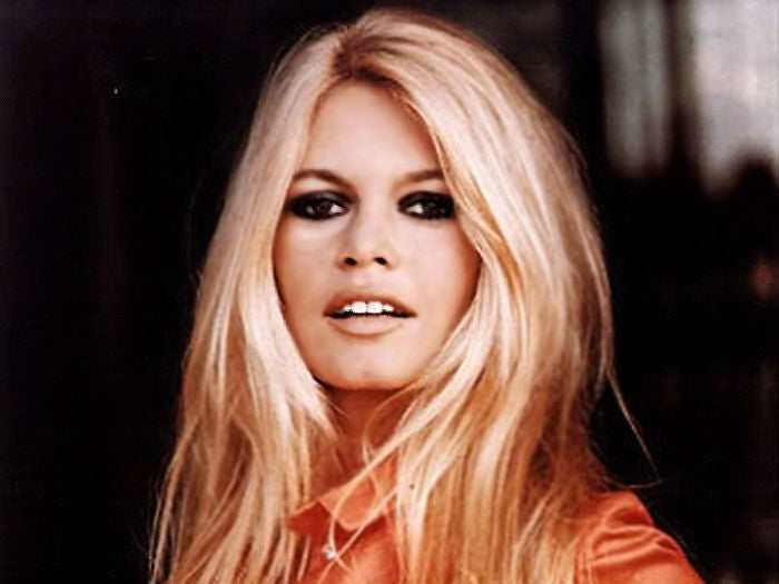 the heavy cat-eye makes for easy glamour, as seen here on the iconic brigitte bardot.