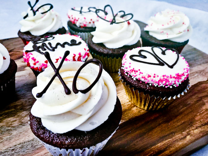 valentine's day cupcakes, valentine's day, valentines, sweet lavender bakeshop, devil's food, devil's food cupcakes, cream cheese icing, chocolate piping, romantic desserts, sweet desserts, homemade cupcakes,