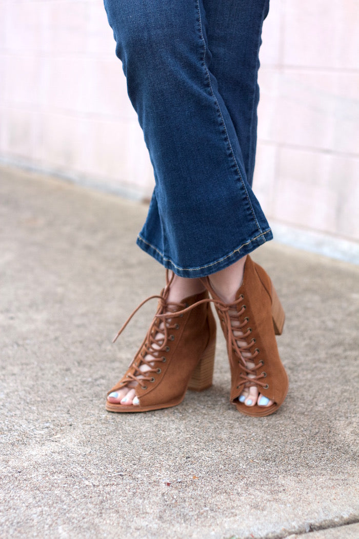 lace-up-booties-urban-outfitters